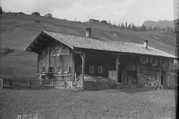 Das Huber-Hus in seiner ursprünglichen Bauweise, um 1930 - Lechmuseum / Gemeindearchiv