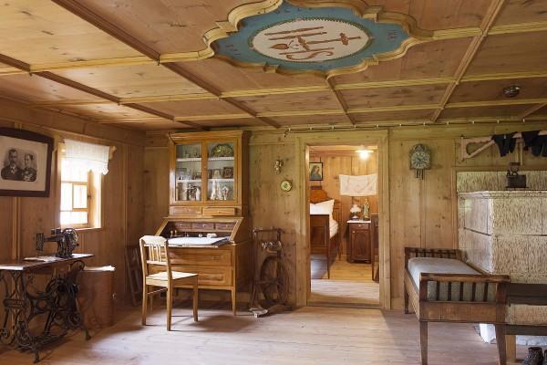 Den Kernbereich der Schau bilden die <br /> rekonstruierten Wohn- und Arbeitsräume des Huber Hauses , wie z.B. die Küferwerkstatt.