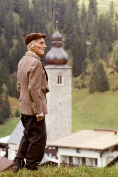 Otto Huber und Lecher Kirchturm (c) Lechmuseum / Gemeindearchiv